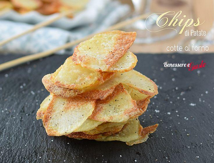 Patatine chips al forno croccanti e leggere, ricetta light con poco olio per gustare le patatine senza sensi di colpa Ricetta facile