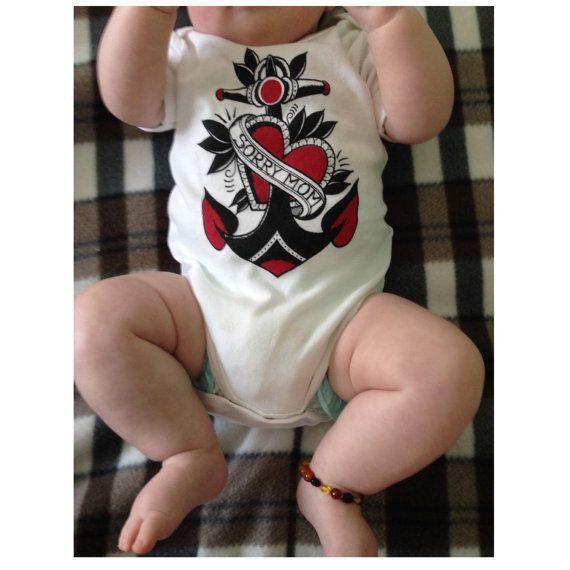 baby body suit with old school anchor print. di Hardtimestore  #tattoo #traditional #oldschool #tshirt #tee #sailor #maglietta #etsy #clothes #kids #kid #bambino #abbigliamento #tatuaggio  #marinaio #baby #body #bodysuit
