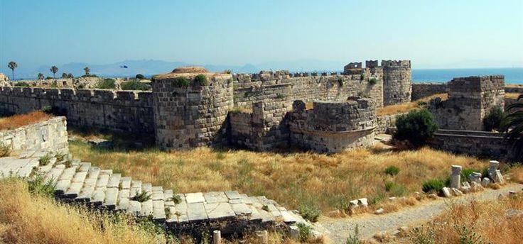 Neratzia, las ruinas del castillo de Kos # Uno podría viajar todo el año visitando las islas griegas. Cada una tiene sus tesoros y sus encantos... Kos es una de las islas más hermosas y forma parte del grupo de las islas del …