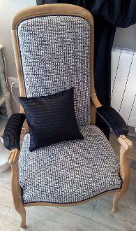 Les Belles Assises vous proposent de redonner un nouveau souffle à vos fauteuils, sièges et assises préférées. Que ce soit pour un « relooking » ou une restauration, nous saurons vous proposer des tissus et passementeries reflétant votre style et votre personnalité. Les Belles Assises sont également ambassadrices Ladurée Beauté