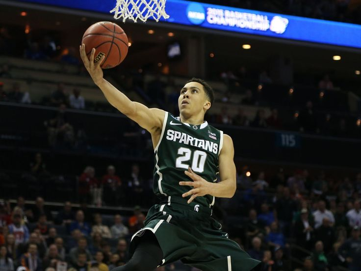 Travis Trice scores scores during the first half of their third round NCAA tournament game on Sunday, March 22,2015 at the Time Warner Cable Arena in Charlotte North Carolina. (Photo: Kirthmon F. Dozier, Detroit Free Press)