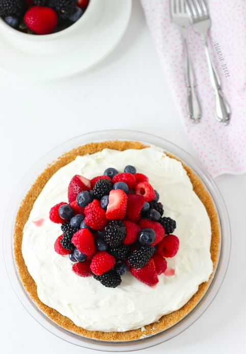 No-Bake White Chocolate Cheesecake Pie with Berries | 17 Creamy And Delicious No-Bake Pies