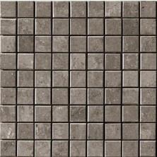 Micron. Flisen er produsert av Cooperativa Ceramica d'Imola og har en klassisk overflate med en naturlig utseende og en spettete fargestruktur i ulike toner. Micron er en perfekt flis for bad, ganger og uteplasser og vil gi en moderne helhet.  Mosaikk i 2,5x2,5 cm er også tilgjengelig fra samme serie.