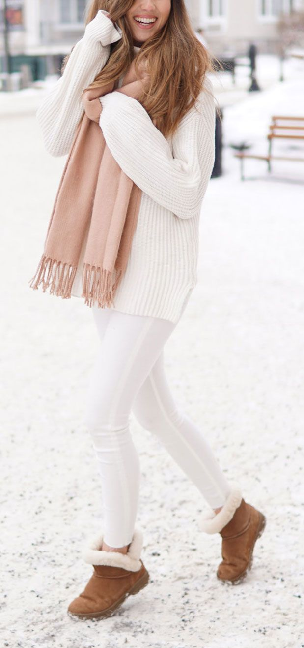 ALL WINTER WHITE outfit - how to pair white skinny jeans and a white thick knit sweater - with a pop of pink scarf. Paired with a faux fur strap white crossbody bag, and shearling brown low booties (under $100!) / Marie's Bazaar / #fashion #fashionblog #fashionbloggers #winter #white #outfit