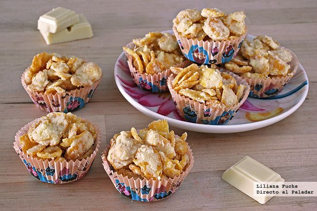 Receta de bocados crujientes de copos de maíz y chocolate blanco. Con fotos del paso a paso, consejos y sugerencias de degustación. Recetas para...