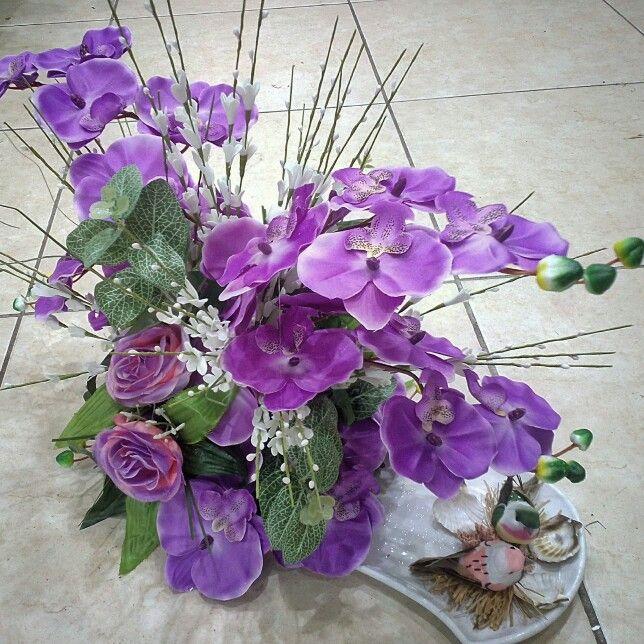 Yapay çiçek aranjmanı, orkide ve güller - 2 adet kuş