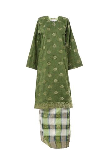 Women's Kurung Pahang Songket Tabur Green from MOTHER & CHILD in Green Women's Kurung Pahang with Songket Motif  very suitable for Raya celebration or any occasion.Material used with 100% cotton with Traditional Songket Motif Skirt. ... #bajukurung #bajukurungmoden
