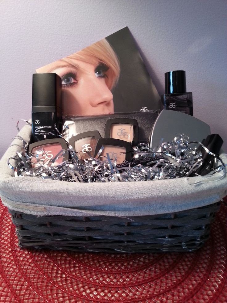makeup arbonne basket , makeup that gives you a natural finish ,