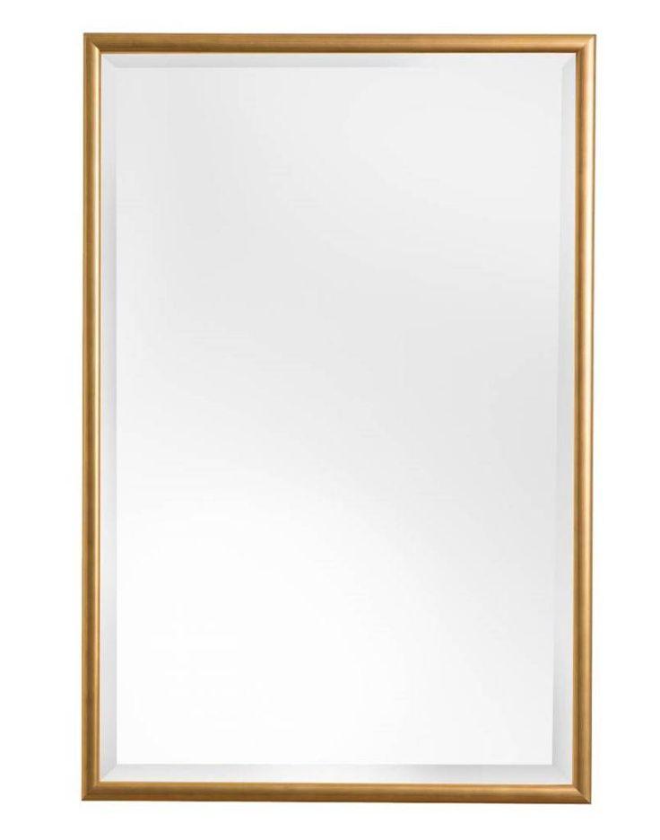 Een sfeervolle spiegel met gouden lijst die overal in huis opgehangen kan worden. Of je deze luxe spiegel in de hal, woonkamer, badkamer of slaapkamer hangt, overal zal men even blijven staan om zichzelf in deze spiegel te bekijken.