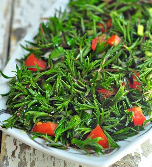 Zahter Salatası Nasıl Yapılır? // Ortadoğu mutfaklarının, özellikle Lübnan mutfağının lezzetlerinden zahter salatası, coğrafi yakınlık nedeniyle Antakya-Hatay mutfağının da başlıca...