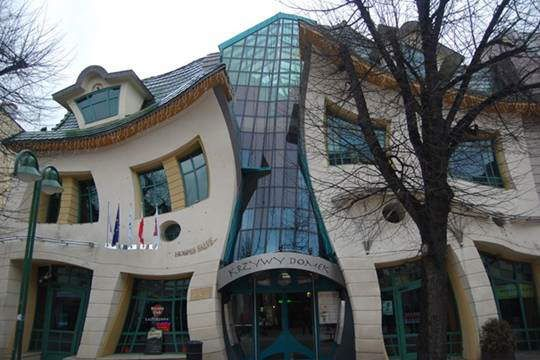 The Crooked House (Sopot, Poland)  Construction of the building started in in January 2003 and in December 2003 it was finished. House architecture is based on Jan Marcin Szancer (famous Polish drawer and child books illustrator) and Per Dahlberg (Swedish painter living in Sopot) pictures and paintings.