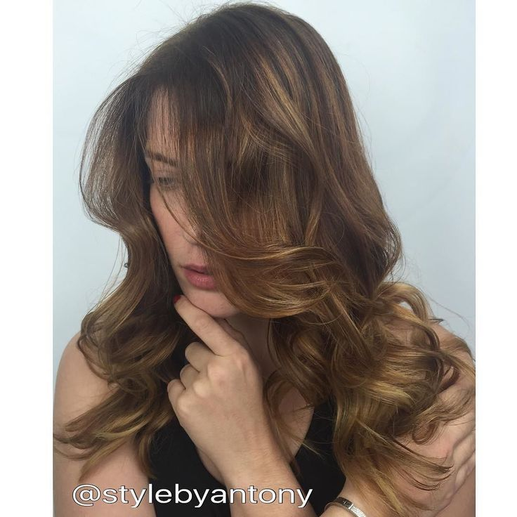 Hair color by @stylebyantony using @embee.meche @olaplex treatment #color #balayage #sobe #southbeach #kendall #californianas #unitehair #behindthechair #loreal #coralgables #coconutgrove #brickell #samvilla #topsalon #sunnyisles #miami #wynwood #hair #hairdresser #olaplex #kenracolor #redken #eldorado #style #la #nyc #hollywood #dubai #picoftheday #pictureoftheday by studiochromainc