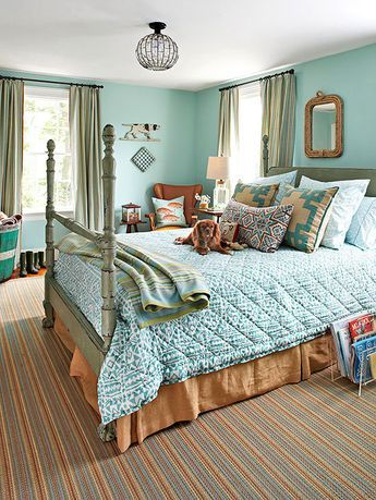 Time and again when people are polled about their favorite color to decorate with, blue reigns supreme. Some prefer the lighter shades like ice or spa blue, while others like richer tones such as navy or indigo. Shades of blu/