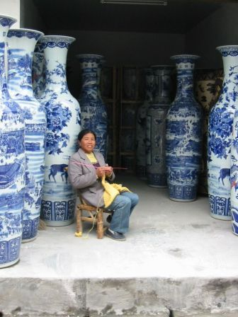 Chinese soldier vases / These are like the Alice-In-Wonderland of Happiness Pots!!!