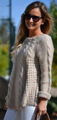Свободный свитер спицами