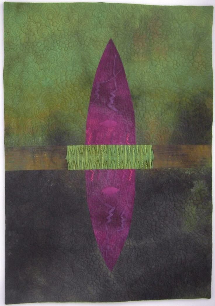"""Auch der Quilt """"Oval 59 - Alien"""" von Pia Welsch hat in unserem Ausstellungsraum den Sommer verbracht. Vielleicht können wir ihn ja ein andermal wieder ausstellen."""
