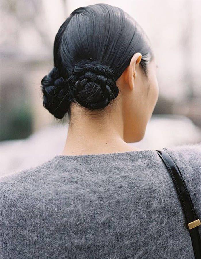 Coiffure cheveux mouillés double buns bas