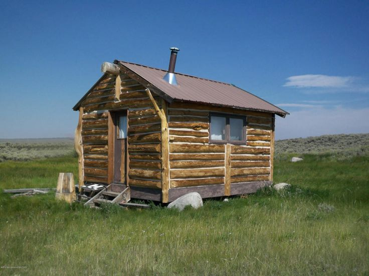 17 best images about tiny cabins on pinterest montana for Small cabin living