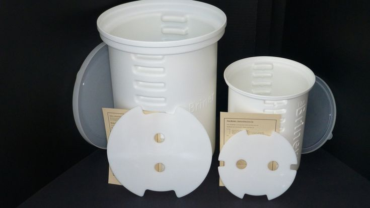 The Ultimate Brine Container! Completely resolves #1 challenge to successful brining - Floating Food! Brine turkeys up to 25 lb. with the briner easy brine kit!