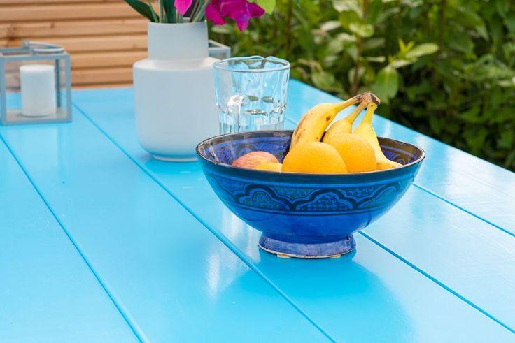 Wij denken nog even terug aan die (korte) zomer, met onze ibiza-style tafel. Een fris blauwe tafel met een onderbalk, een zogenoemd klosstertafel model. Maar dan geverfd in een heerlijk zomers kleurtje. Ach wat, wij vinden dat hij het hele jaar door mag. Lekker toch?! Meer weten? Klik op de foto!