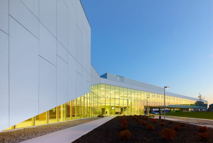 Project: Durham College Location: Whitby, ON Product: Equitone Architect: Teeple Architect