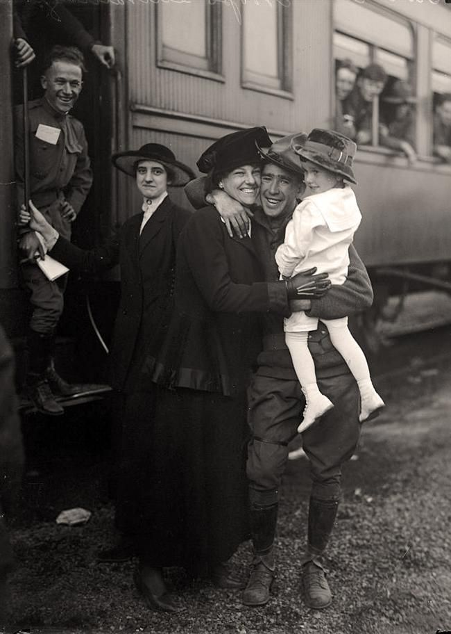 Army, U.S. Troops come home.1917