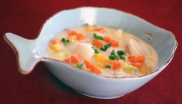 Hysefilet, purre, potet, gulrot og kålrot i samme gryte. En enkel og smakfull måte å kombinere høstens grønnsaker med en god råvare fra havet.