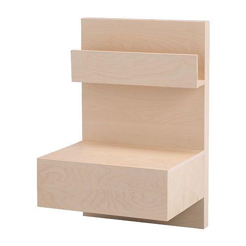 MALM Table chevet IKEA Étagère ouverte ; garde vos livres à portée de la main. Le tiroir, facile à ouvrir et à fermer, est équipé d'une butée.