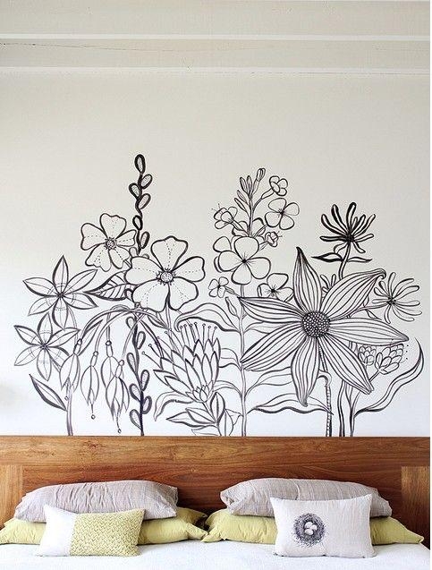 Роспись стен в интерьере (54 фото): оригинальный декор для квартиры http://happymodern.ru/rospis-sten-v-interere-53-foto-originalnyj-dekor-dlya-kvartiry/ Настенная роспись в спальне