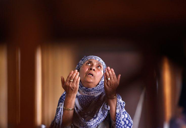 More Scenes from Ramadan 2016 (38 photos) http://theatln.tc/29M9g5w