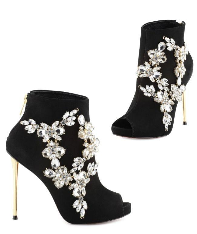 101 best cosmoparis images on pinterest heels sandals. Black Bedroom Furniture Sets. Home Design Ideas