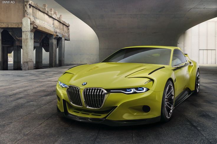 На ежегодном конкурсе автомобильной красоты Concorso d'Eleganza Villa d'Este компания BMW презентовала концепт 3.0 CSL Hommage, посвященный выпускавшемуся в 1970-х купе 3.0 CSL.