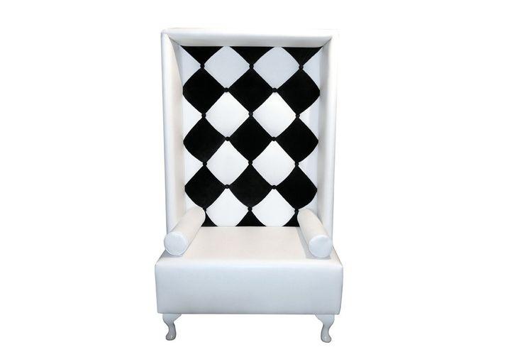 Luksusowy Fotel Opera Happy Barok #fotel #armchair #chair #meble #furniture #house #home #dom #mieszkanie #homedesign #homedecor #livingroom #livingroomdesign #salon #new #polish #design #designer #happy #barok #thebest #poduszka #pillow #glamour #chessboard #szachownica #aliceinwonderland #onemarket.pl