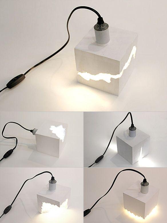 Lampe en béton. - Concrete lamp.