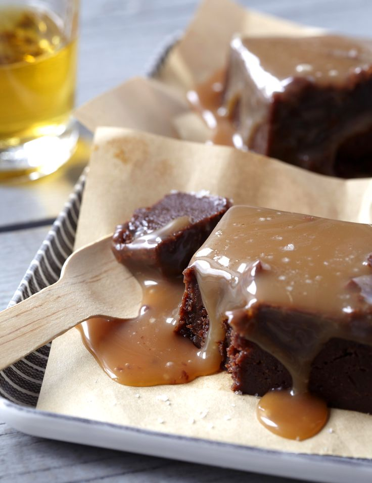 salted caramel brownie via francesjanisch.wordpress.com: Chocolate Caramel Brownies, Chocolates Sauces, Chocolates Caramelbrowni, Salts Caramel Brownies,  Chocolates Syrup, Healthy Food, Cookies Via Boxes Mixed, Chocolates Caramel Brownies, Salts Chocolates
