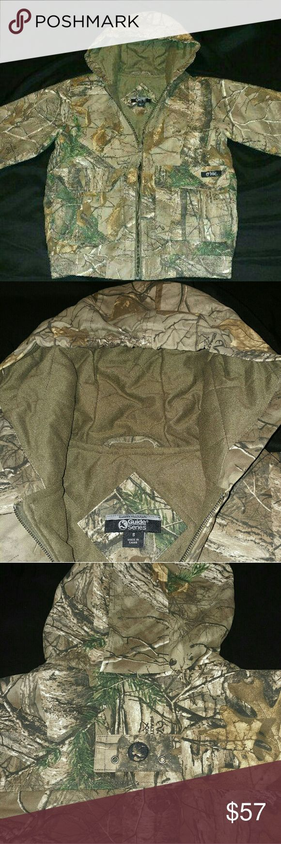 Gander mountain real tree hunting coat Warm!!! Compares to a carhart, excellent condition basically brand new!! Smoke and pet free home.  Fast shipping. Gander Mountain Jackets & Coats