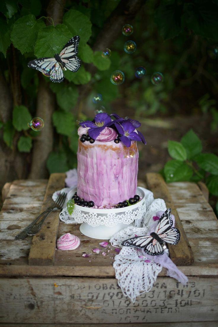 Purple berry cake