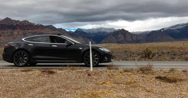 #World #News  Tesla owner gets stranded in the desert after relying on phone to start the car  #StopRussianAggression