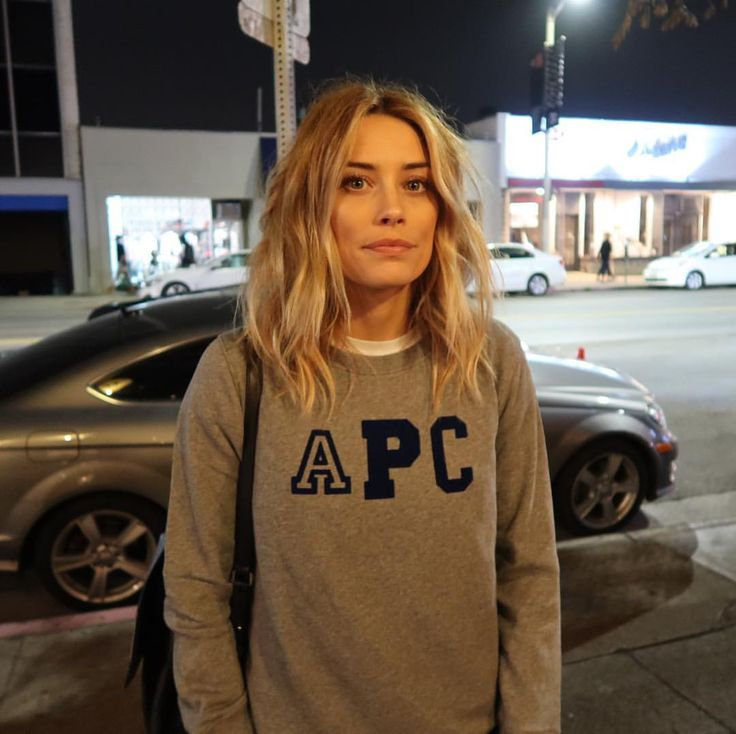 "52.5k Likes, 241 Comments - Arielle Vandenberg (@arielle) on Instagram: ""I'm outside...how bout dah? : @jessirosebrugh"""
