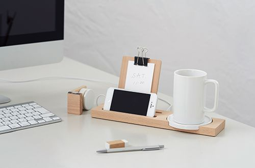Japanese product design: Designed in Japan, this beautiful tray is every organizer's work station dream.