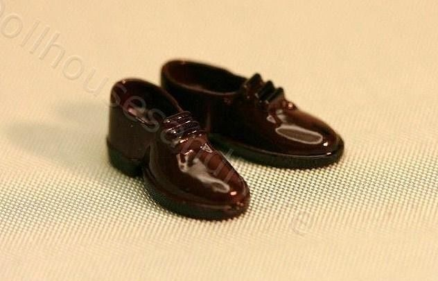 Dollhouse Miniature Pair of Brown Mens Dress Shoes #DollhousesandMore