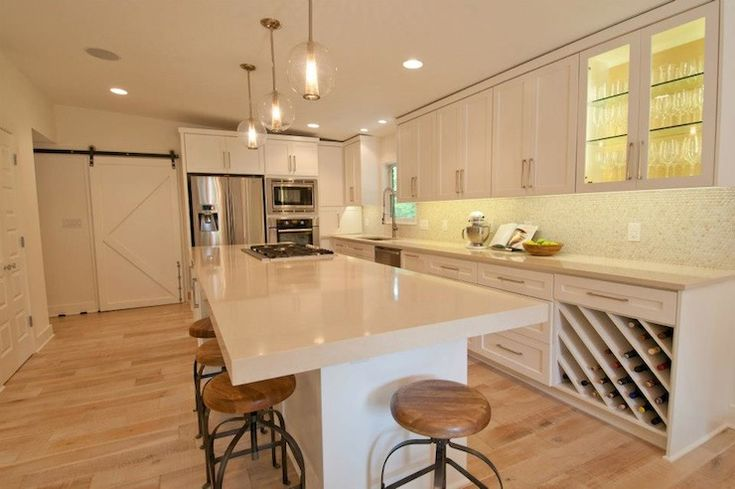 Pure white, Countertops and Kitchens on Pinterest