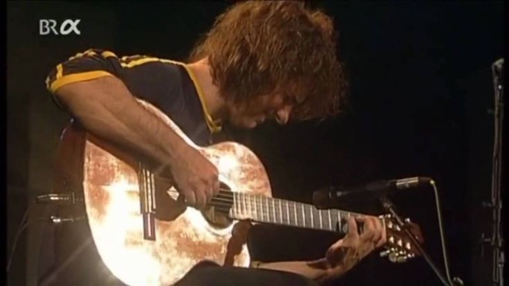 RIP Charlie Haden ... lovely music here. > Pat Metheny with Charlie Haden - Cinema Paradiso