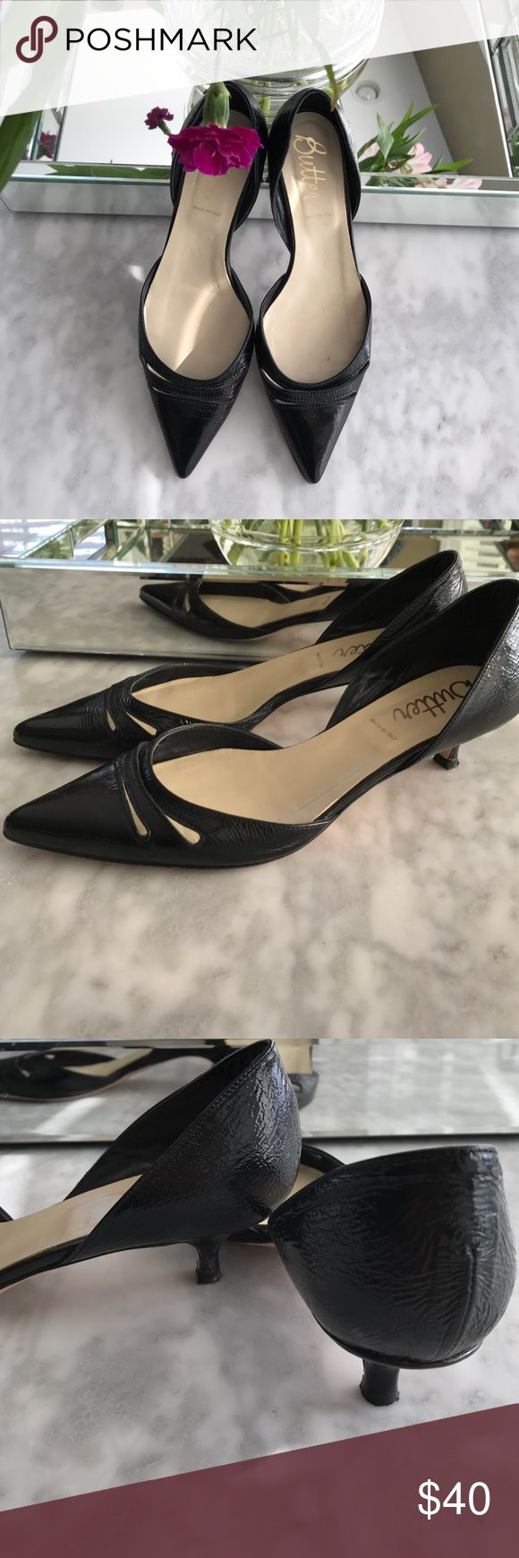 🌸Butter kitten Heel Black Patent Dress Shoes 9 🌸 Such a sweet pair of Butter designer brand black Patent kitten heels! Full d'orsay style, easy shoe for any occasion, low kitten heel. Size 9, worn only a few times, no scuffs or scratches. No holds, no 🅿️🅿️or♏️-thank you! 💕😘 Butter Shoes Shoes Heels