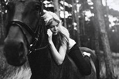 Dreamy Jenny y su caballo Laurina 2 (Steven Ritzer) Etiquetas: cámara de pc luz mujer retrato sol blanco negro chica berlin 50mm hermoso bosque análogo de la manera asombrosa belleza bonita modelo nikon puesto perfecto dulce bokeh leva girly impresionante 14 profunda sigma adolescente impresionante adolescente sw conseguir encantadora Agfa populares Kamera postproducción wald editar wunderbar profundo d800 Lightroom hbsch stevenritzer
