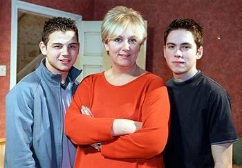 Jason Grimshaw (Ryan Thomas), Eileen Grimshaw (Sue Cleaver) & Todd Grimshaw)(Bruno Langley) (January 2001)