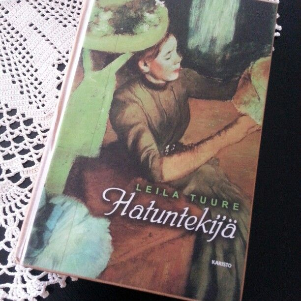 Leila Tuure. Hatuntekijä. Porin historiaa viihteellisessä muodossa. Lukupäiväkirja 2.