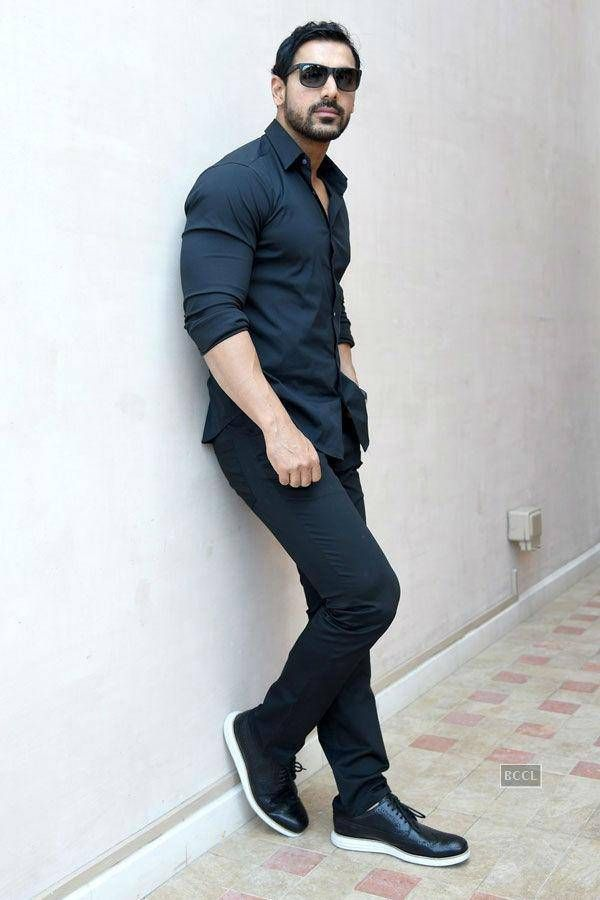John Abraham Height, Weight, Biceps Size and Measurements