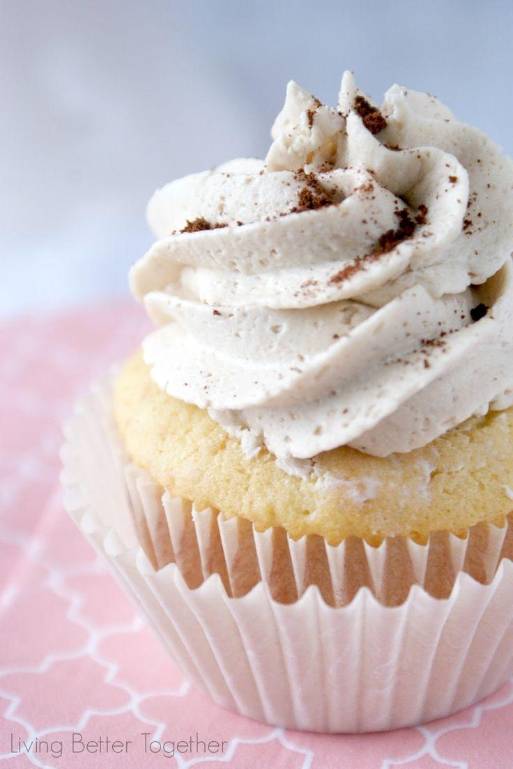 French Vanilla Cappuccino Cupcakes | www.livingbettertogether.com