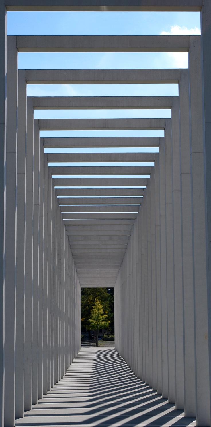 Concrete frames by Stephanie Vorwerk